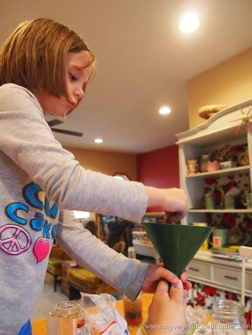 BottleArtProjectwithSeeds #holidaycrafting #giftidea #kidscraft