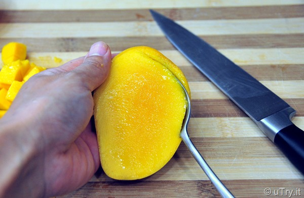 How to Easily Diced a Mango   http://uTry.it
