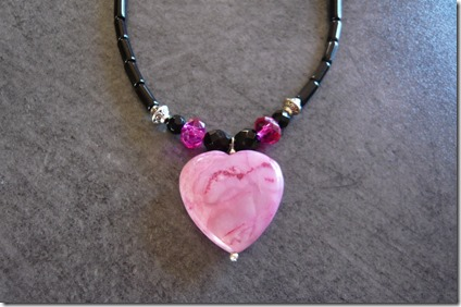 pink heart necklace2