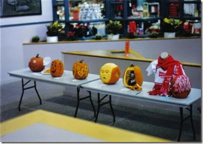 03 MSOE 2002 Pumpkin Carving Entries