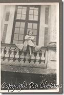 Mor på balkonen Oreby Slot