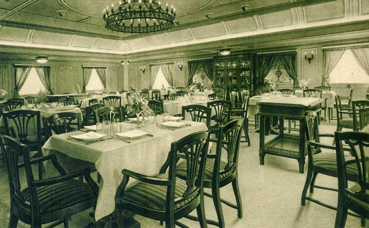 Comedor de primera clase. Postal Corporativa. Colección de Laureano García.jpg