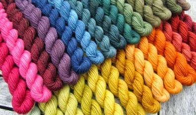 Pflanzenfärbungen auf Sockenwolle 230 g 1
