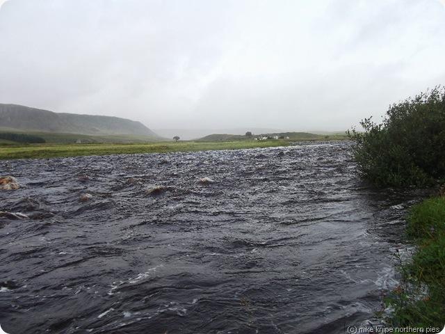 river tees in spate