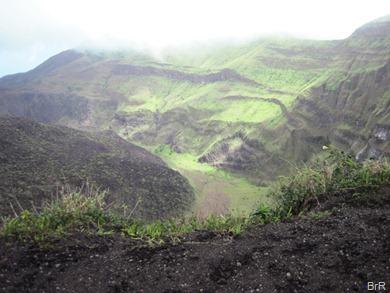 Soufrière_Krater