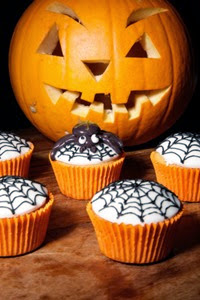 halloween_cupcake_ideas_spider_webs_1348188387