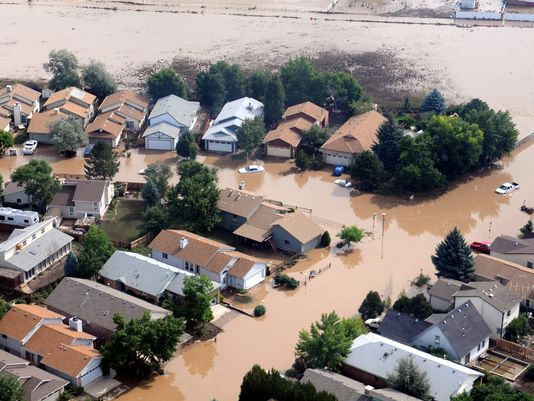An aerial image taken on 14 September 2013 shows damage and flooding after some areas near Boulder, Colorado, received as much as 18 inches of rain in a 24-hour period. Photo: U.S Army via EPA
