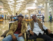 مع فهد في مطار مومباي2