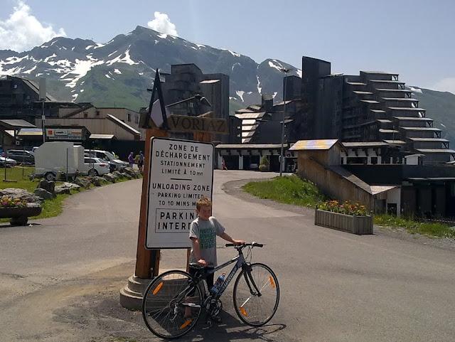 August på toppen efter 12 km opad