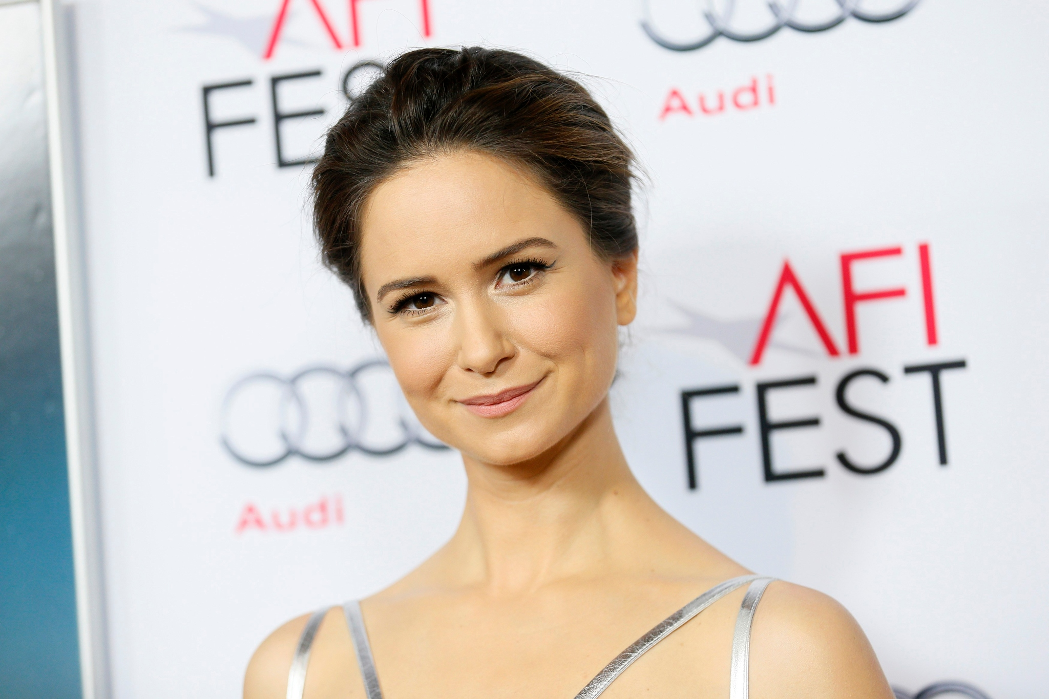CelebrityFlow-ru-Katherine-Waterston-pho