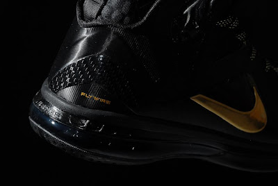 nike lebron 9 ps elite black gold away 11 08 kenlu LeBron 9 P.S. Elite White/Gold (Home) & Black/Gold (Away)