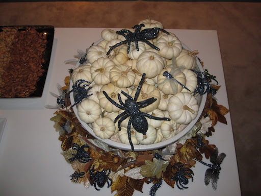 Here is the finished product of my bowl of white pumpkins. Look at the all of the glittered spiders!