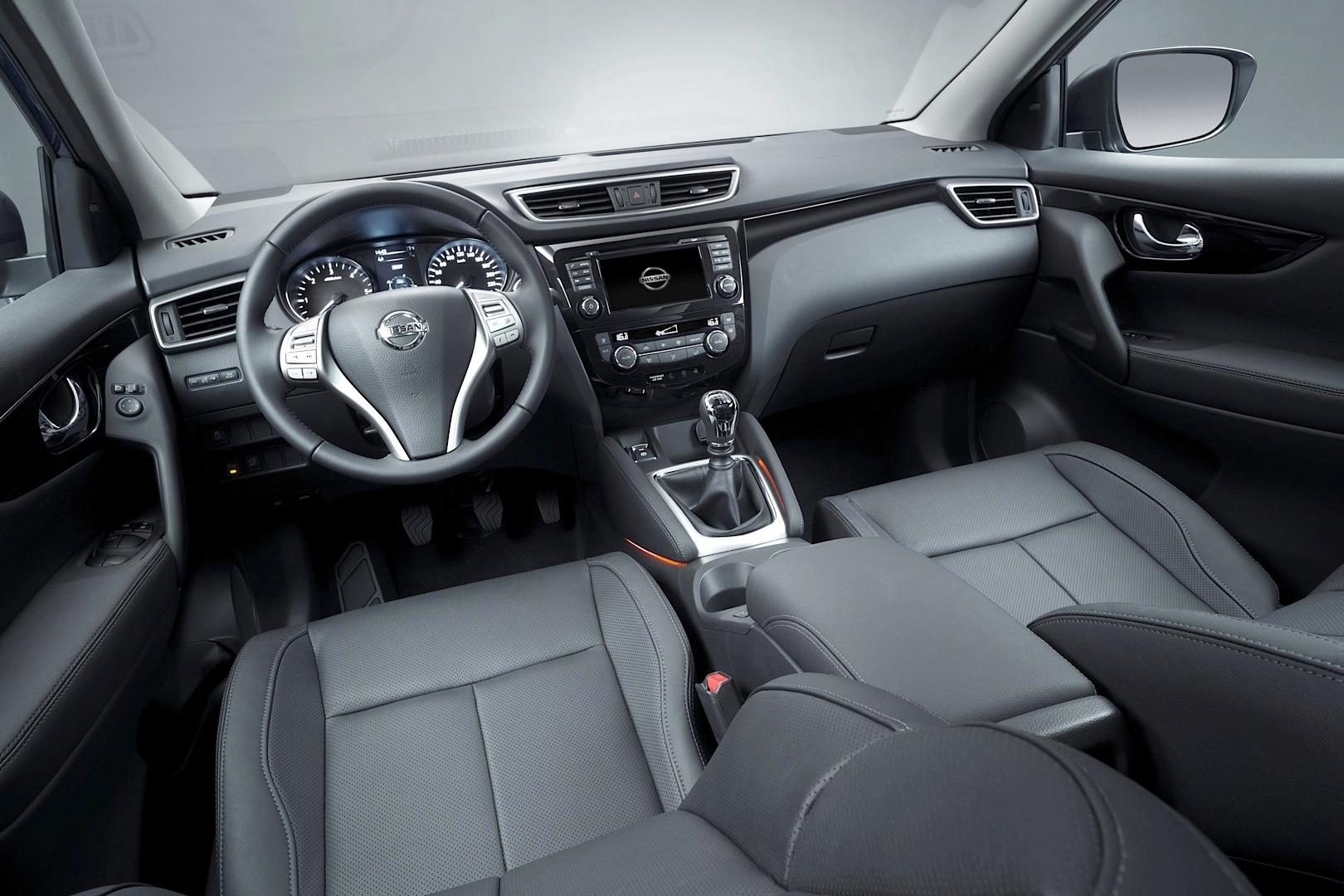 2014-Nissan-Qashqai-ic-mekan-1.jpg