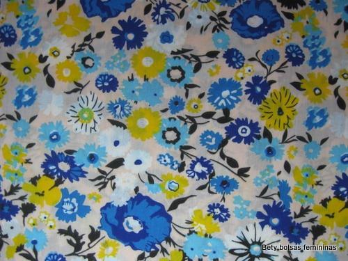 TE25-tecido-estampa-floral-medio-branco