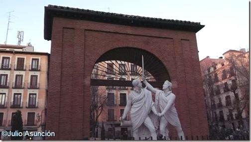 Monumento Daoíz y  Velarde - Plaza del Dos de Mayo