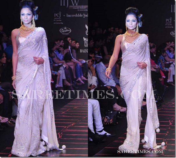 White_Saree_IIFA_2011