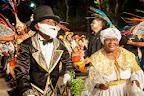 La Mama Vieja (abuela), el gramillero (especie de curandero que utilizaba plantas o gramilla como medicina) y el escobero (malabarista con la escoba) son personajes típicos de las comparsas. Junto a ellos desfilan un cuerpo de bailarines y una 'cuerda' de tambores.