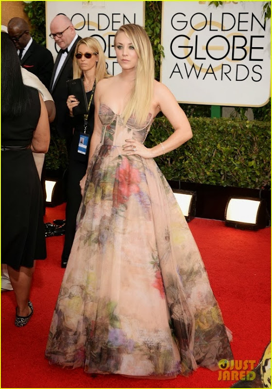 kaley-cuoco-golden-globes-2014-red-carpet-01