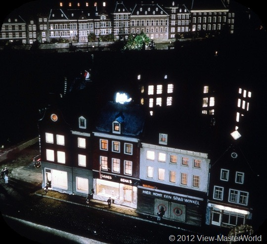View-Master Madurodam (C392), Scene 7: Old Town at Night