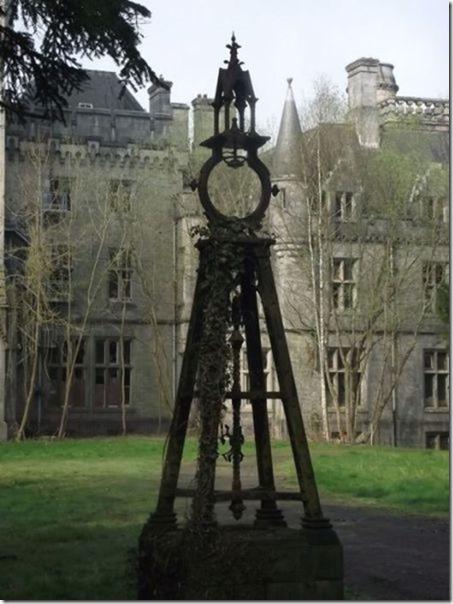 abandoned-castle-belguim-31
