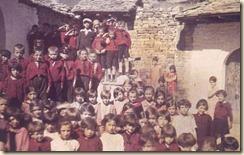 Studenti albanesi delle scuole primarie. (foto: Luigi Pellerano)