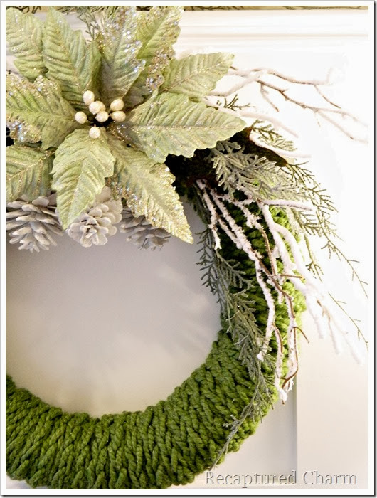 finger knitted christmas wreath13