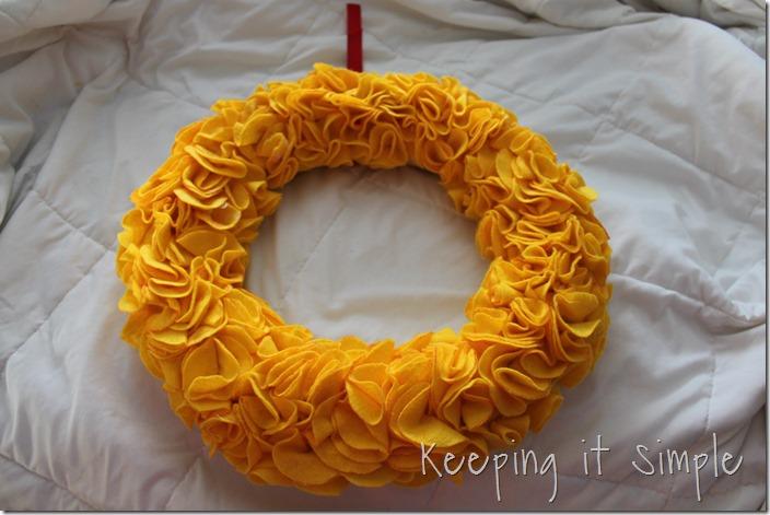 Circle felt wreath (5)