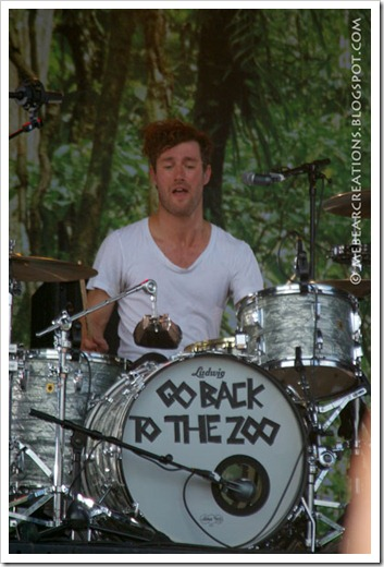 Go_Back_To_The_Zoo_02