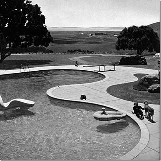 donnell pool by thomas church, Thomas Church, Donnell Garden, Sonoma County, Landscape Design, Design Inspiration, Creative design