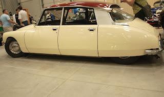 Citroen DS w calej okazalosci, produkowany w latach 1956 - 1975, silnik 2.2l. o mocy 75KM.
