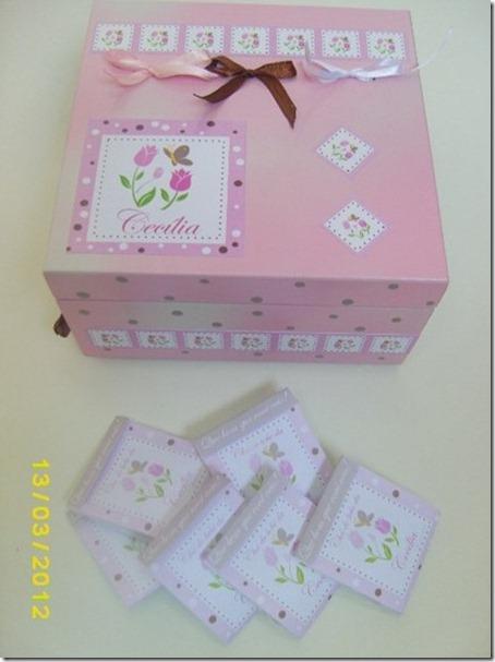 caixa decorada e sachês personalizados