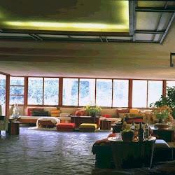 15.- F. Lloyd Wright. Casa de la Cascada