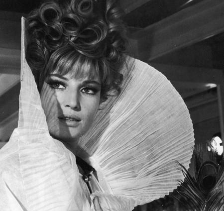 Monica Vitti nel film Modesty Blaise, la bellissima che uccide di Joseph Losey, nel 1966.