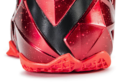 nike lebron 11 gr black red 6 08 nike inc Nike Introduces LEBRON 11 & Revolutionary Hyperposite Technology