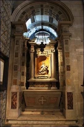 Gloria Ishizaka - Igreja de Sao Roque - altar da santíssima trindade