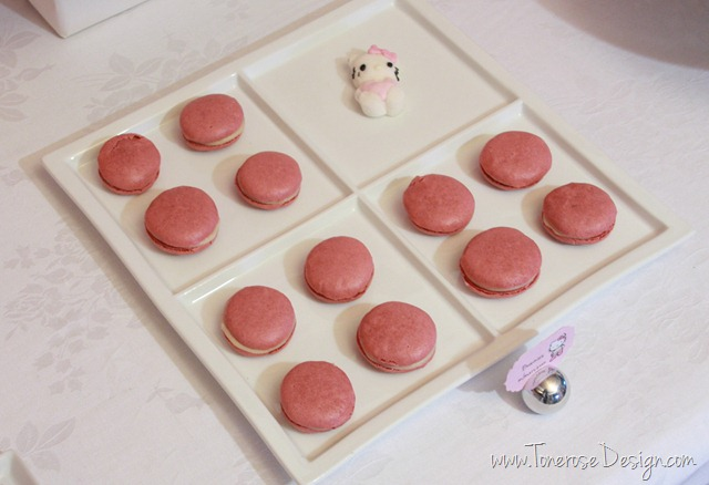 IMG_9441_rosa_kakebord_hello_kitty_dessertbord_bursdag