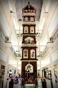 Shopping Curitiba - Casa do Papai Noel com 20 metros de altura