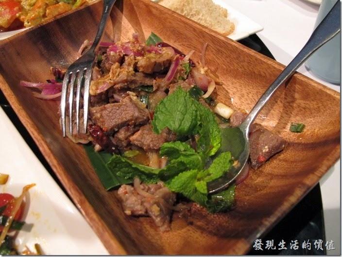 台北-香米泰國料理。香料辣拌牛小排。牛肉軟嫩,但並不是很具特色。
