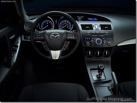 Mazda 3 Sedan8