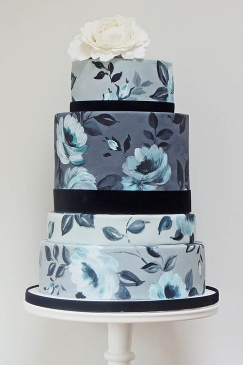blue-painted-floral-wedding-cake