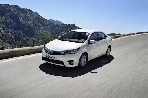 2014-Toyota-Corolla-8.jpg