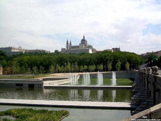 parque-y-catedra-de-la-almudena.JPG