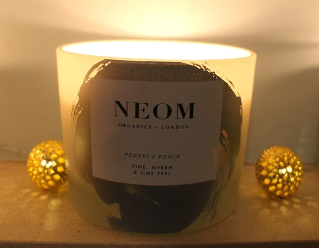 Neom-Peace-Christmas-Candle-2014