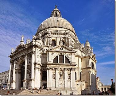 725px-Santa_Maria_della_Salute_in_Venice_001