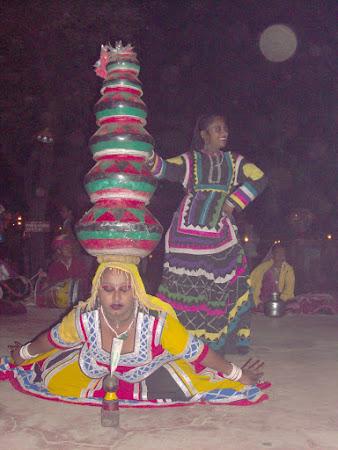 Spectacole India: dansuri indiene