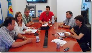 El intendente del Partido de La Costa, Juan Pablo de Jesús, presidió una reunión en la que se coordinaron los operativos de control de nocturnidad, vía pública y comercios que se llevarán a cabo durante el verano