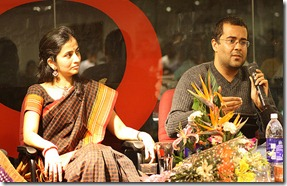 chetan-bhagat-with-wife-anusha-pic8