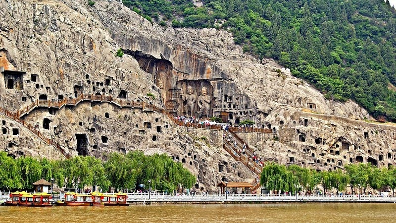 longmen-grottoes-6