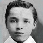 Charlie Chaplin cameo ee