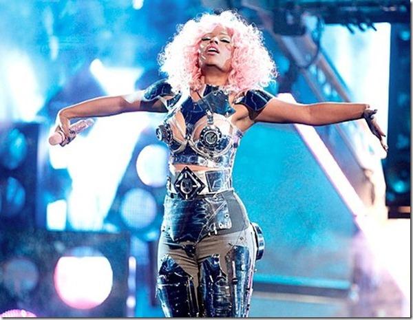 Nicki-Minaj-2011-American-Music-Awards-AMAs-David-Guetta-Super-Bass-turn-Me-On2
